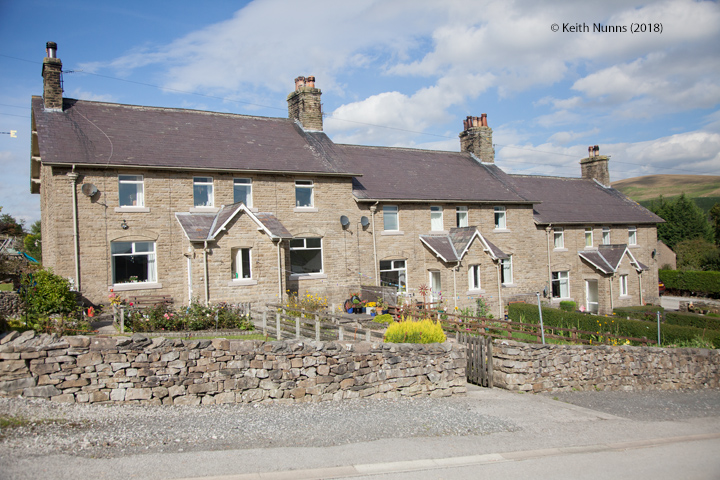 242530: Horton-in-Ribblesdale - Workers' Housing (Terrace of 6 - Station Cottages): Elevation view from the South