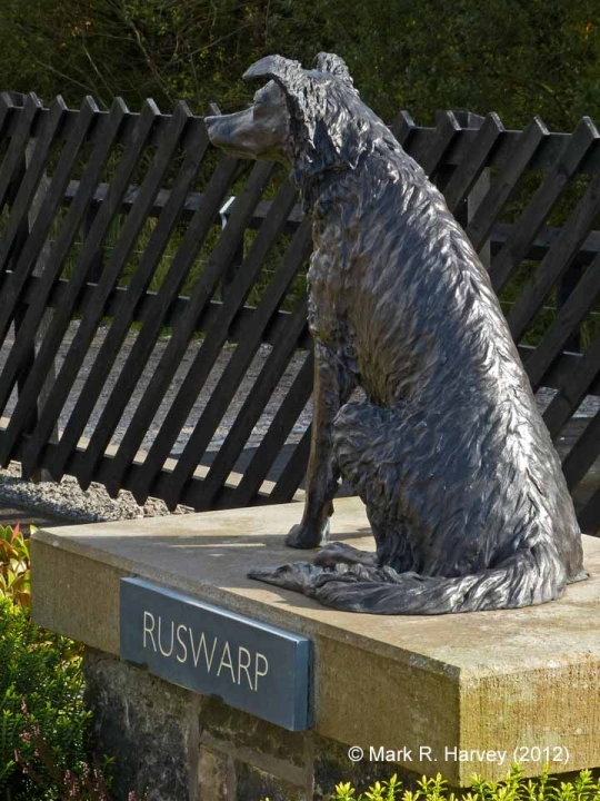 Close-up view of Ruswarp Statue / Graham Nuttall memorial