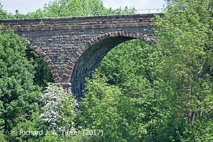 Bridge SAC/320 (Armathwaite Viaduct): arch, string course and parapet details (2)