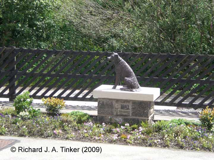 Garsdale Station Passenger Platform (Up): Statue of Ruswarp the dog