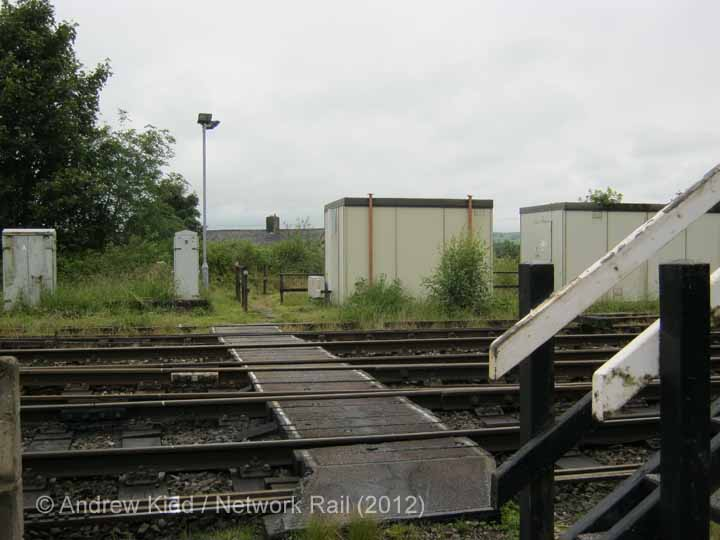 Hellifield South Jn. Signal Box: Context - safe walking route (2)