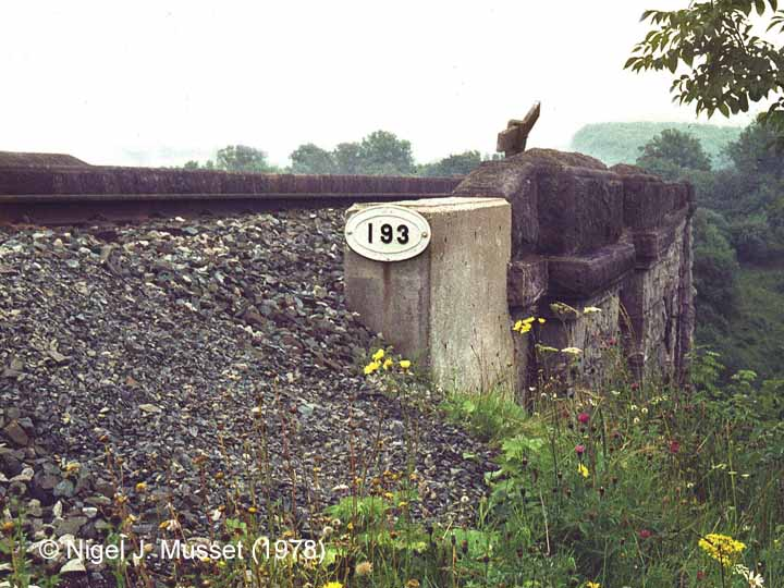 Bridge SAC/193 - Smardale Viaduct: Bridge Plate at north end