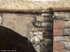 Bridge 173 - Croon Lorne: Detail of voussoirs from west