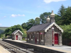 Garsdale Station: Up waiting room (this structure) and toilet block (Str 256680)