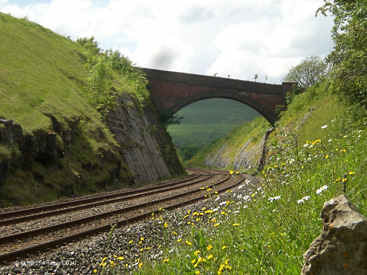 267960: Bridge SAC/189 - Smardale Rock Cutting: Context view from the east