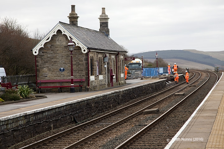 256630: Garsdale Station - Passenger Platform: Context view from the north west