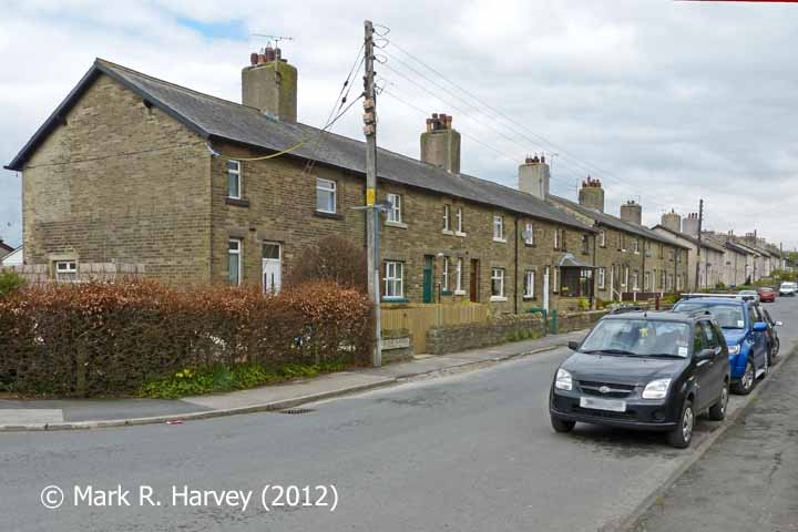Nos. 1-10 Midland Terrace (Hellifield) with Nos 11-40 beyond: Context from SE